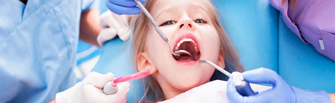 Современные методы лечения кариеса молочных зубов