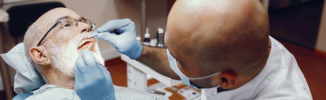 Установка зубных имплантатов Dentium